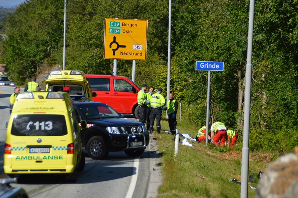 To kvinner omkom i en motorsykkelulykke i Grinde i Tysvær søndag 22. juni 2014. FOTO: Kjell Bua