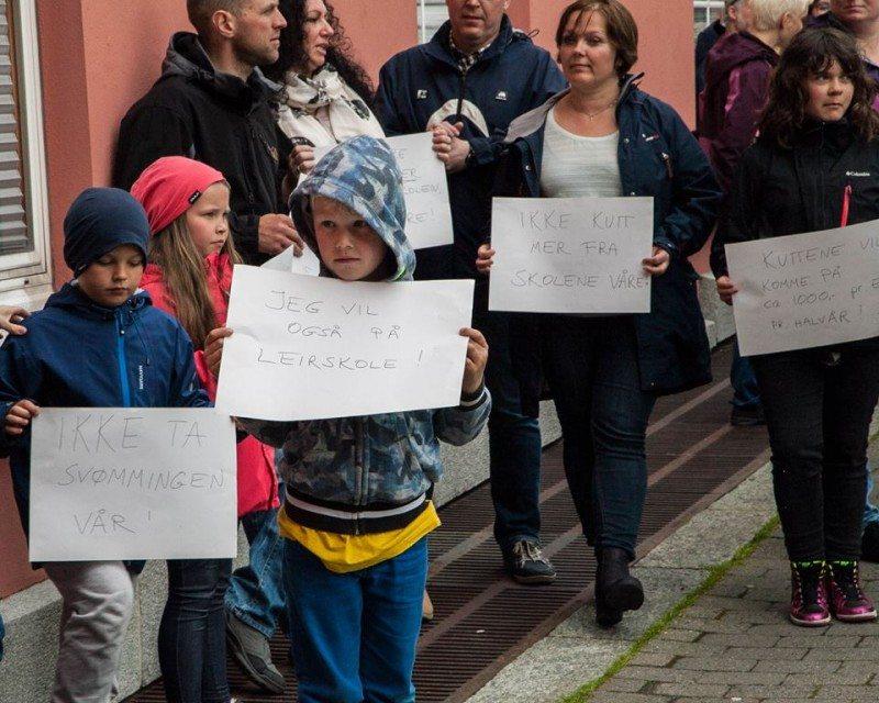 Demonstrasjon, skole, Haugesund, rådhus