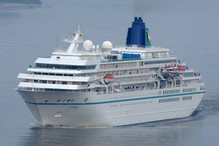 Amadea Cruisbåt