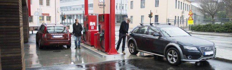 Joar Skorpe gjør stor suksess med bensinstasjonene under navnet Tanken.
