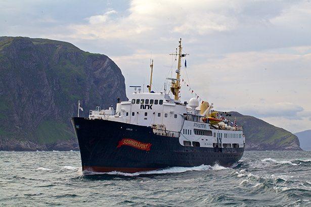 Sommerbåten (Foto: Sindre Skredet, NRK)