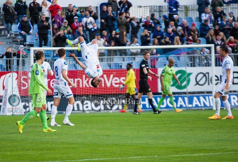 Stølås mot Sarpsborg. Tok salto. FOTO: Kjell Bua