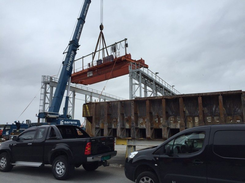 Norscrap Karmøy AS kran på Hydro