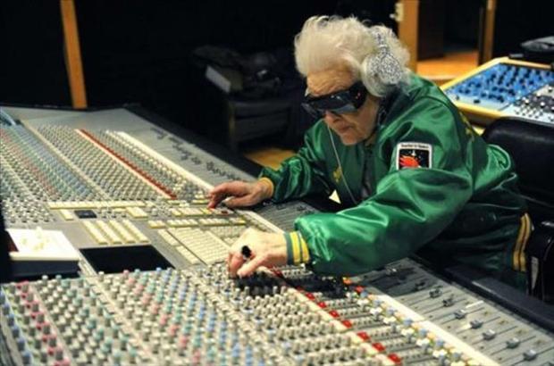 dj-grandma